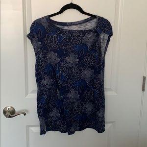 Beautiful blue floral print maternity shirt